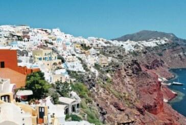 Santorinililer turist sayısına sınırlama istiyor