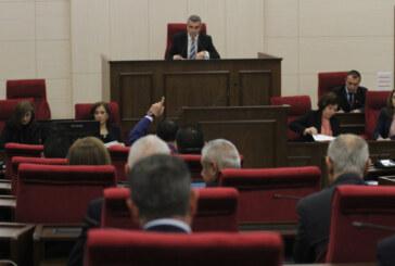 Meclis hükümet programını görüşüyor
