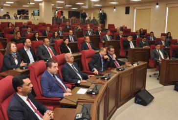 Meclis'te Başkanlık Divanı seçimi ertelendi; hükümet programı cuma