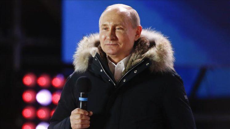 Putin dördüncü kez devlet başkanı seçildi