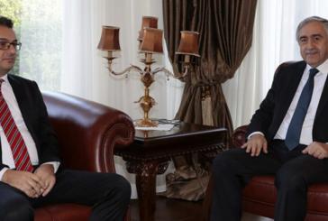 Cumhurbaşkanı Akıncı Başbakan Erhürman ile bir araya geldi