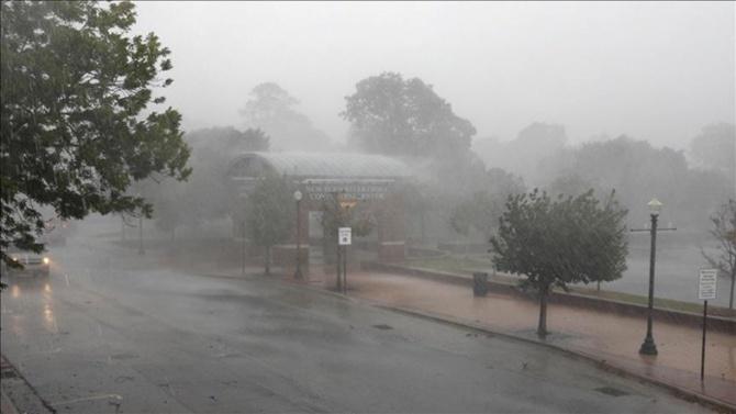 Florence, rüzgar ve yağmurla geldi