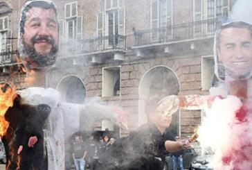 İtalya'da öğrenciler hükümetin eğitim planını protesto etti