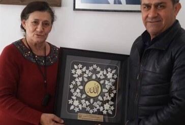 KHYD'den Gazimağusa Gümrük amiri kaçmaz'a plaket