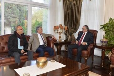 Akıncı, Kuzey Kıbrıs Klasik ve Spor Otomobil Kulübü heyetini kabul etti
