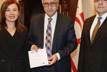Akıncı, Kuzey Kıbrıs JCI Başkanı Dilek Kurnaz'ı kabul etti