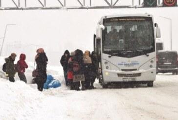 Türkiye'de birçok bölgede kar yağışı hayatı olumsuz etkiliyor
