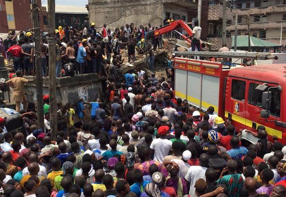Nijerya'da ilkokul binası çöktü: 10 öğrenci öldü, 50 öğrenci kurtarıldı