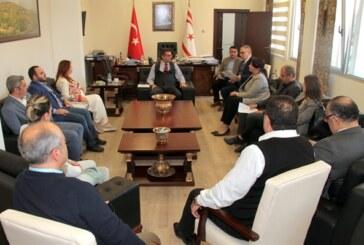 Başbakan Erhürman, YYK yetkililerini ve özel televizyon yayıncılarını kabul etti
