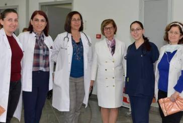 Meral Akıncı, Onkoloji Merkezi'ni ziyaret etti