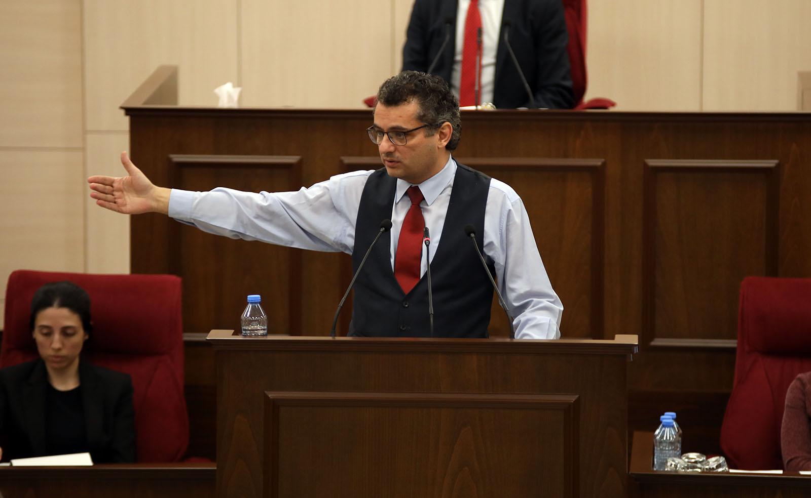 Erhürman: Trafik kuralları herkes için geçerli, milletvekili dokunulmazlığıyla ilgisi yok