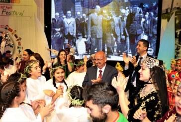"""""""Uluslararası 23 Nisan Çocuk Festivali"""" dün akşam Girne Amfi Tiyatro'da gerçekleşen Gala Programı'yla tamamlandı"""