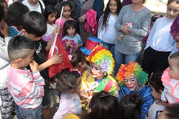 Demokrat Parti,Lefkoşa İlçe Kadın Örgütü çocuk festivali düzenledi