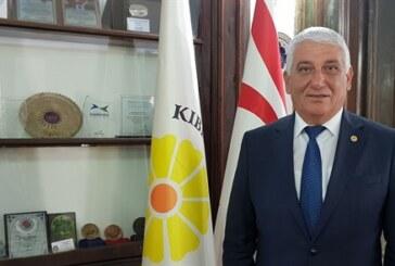Mahmut Özçınar 23 Nisan Ulusal Egemenlik ve Çocuk Bayramı dolayısıyla mesaj yayımladı