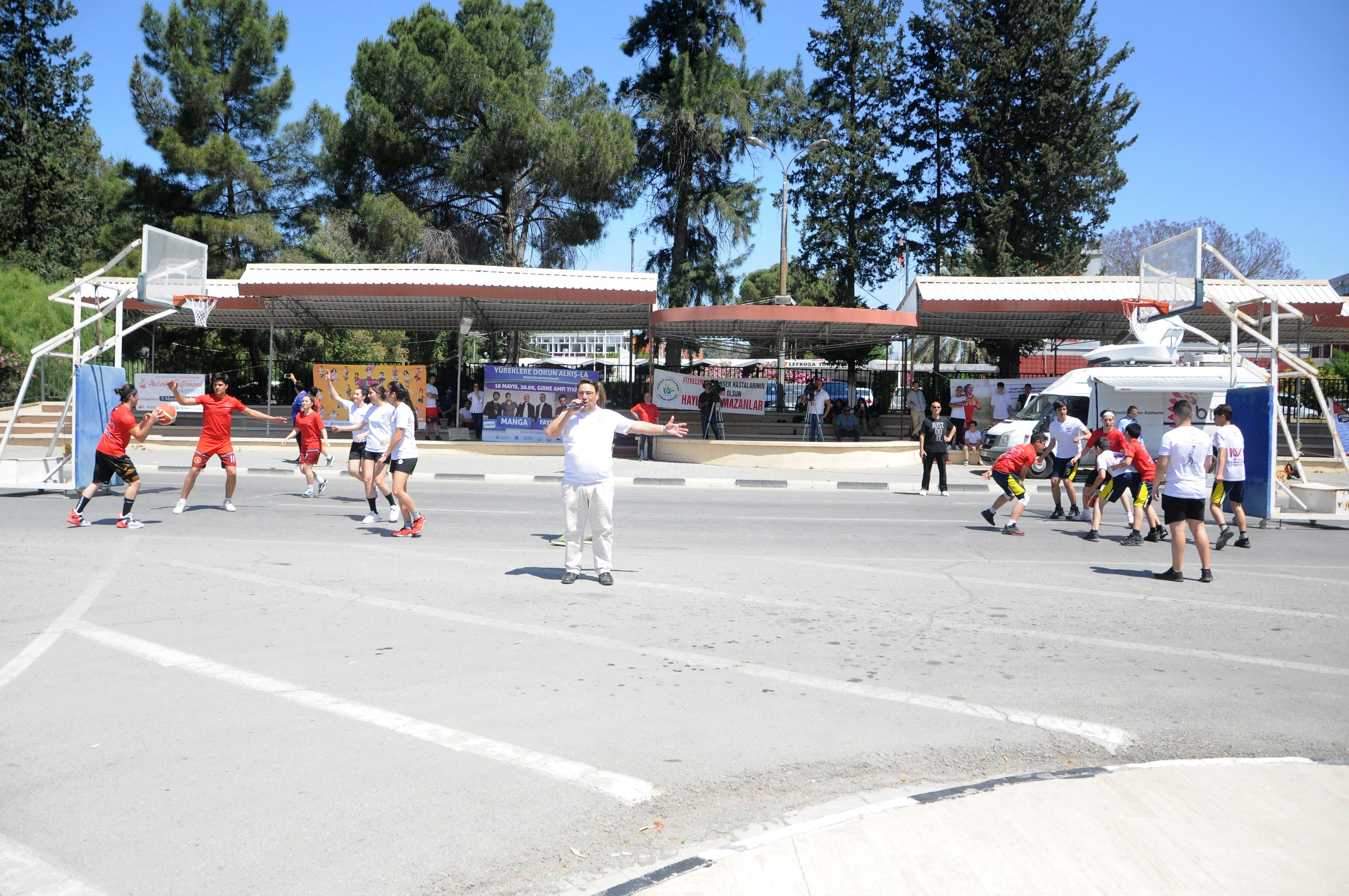 """""""Spor Yaparak Eğlen"""" sloganı ile """"Street Ball"""" etkinliği düzenlendi"""