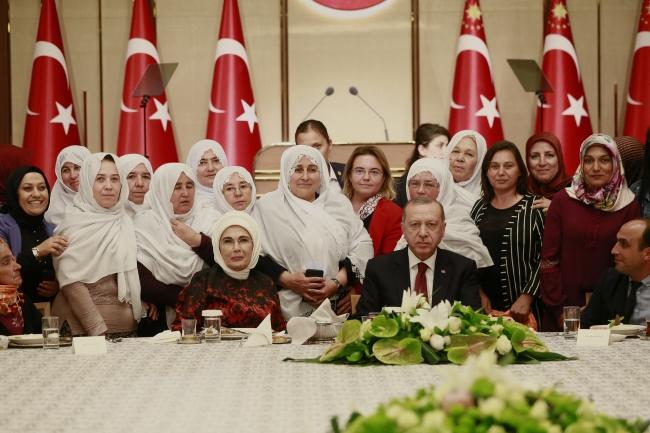 TC Cumhurbaşkanı Erdoğan: Hiç kimsenin sandığın mahremiyetine el uzatmasına izin vermeyiz