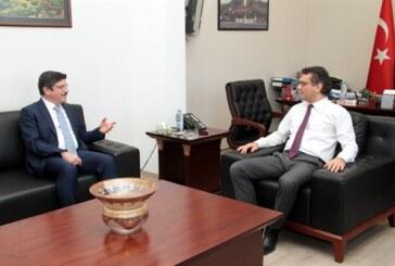 Başbakan Tufan Erhürman,Prof. Dr. Yasin Aktay'ı kabul edip, görüştü