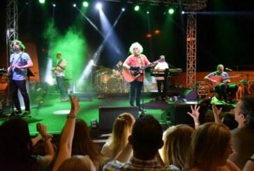 Yeni Türkü, dün gece Lefkoşa Sulariçi'nde konser verdi