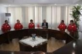 Özersay, Türk Yıldızları akrobasi timini kabul etti