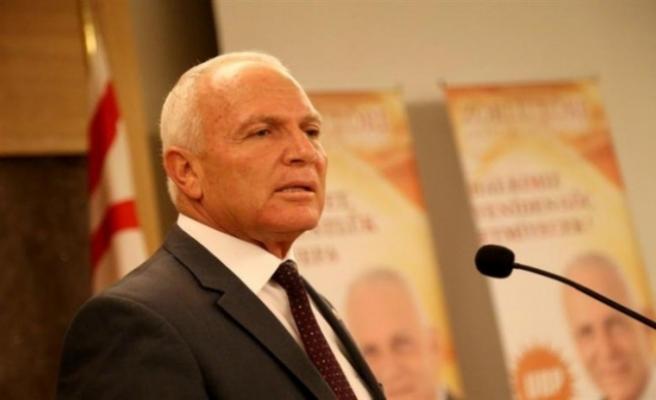 """""""Doğu Akdeniz ve Kıbrıs'ta Oynanan Oyunlar"""" adlı konferansta konuştu"""