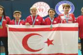 Ülkemiz yüzücüleri Türkiye'de gerçekleştirilen yarışlarda başarılı dereceler elde ettiler