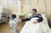Sağlıkçılar yetişemiyor, robotlar görevde