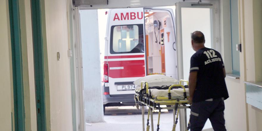 Gönyeli'de 2.60 metre yükseklikten düşerek yaralandı