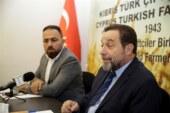 Denktaş, Kıbrıs Türk Çiftçiler Birliği'ni ziyaret ederek, Yönetim Kurulu üyeleri ile görüştü