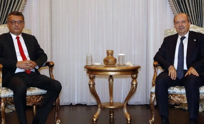 Cumhurbaşkanı Tatar, hükümeti kurma görevini Erhürman'a verdi