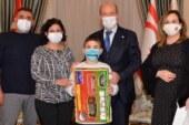 Özel çocuk Emre Özgen'den Cumhurbaşkanı Tatar'a özel ziyaret