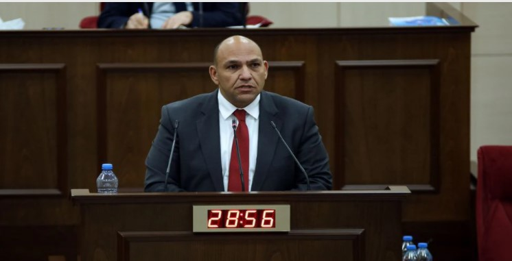 Uçuş kararı sonrası Tolga Atakan'dan hükümete bir dizi soru