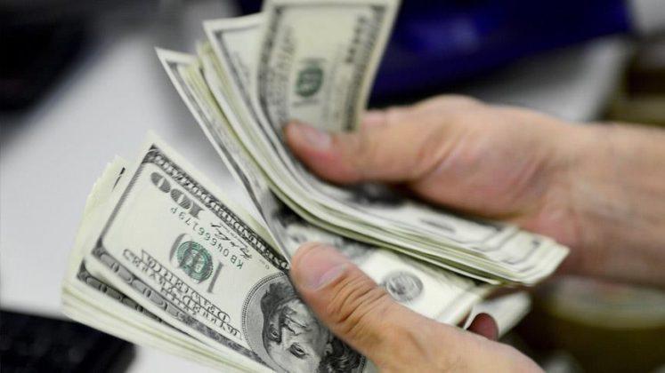 Türkiye'de Dolar/TL haftaya düşüşle başladı