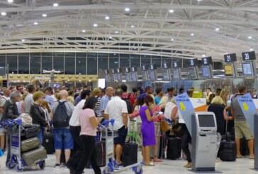 Güney Kıbrıs'a bu yıl 10 milyon yolcu geldi