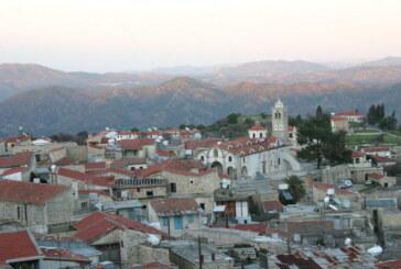 Lefkara'daki Kıbrıslı Türklere ait evler tamir ediliyor