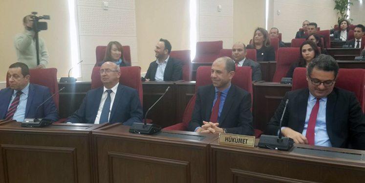 Yeni hükümetin listesi Meclis'te okundu