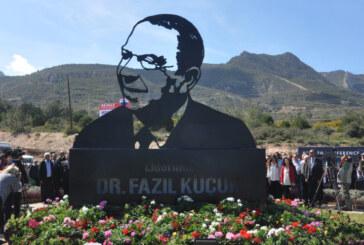 Dr. Küçük'e doğum gününde Girne'de anıt