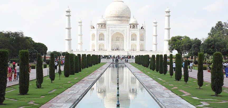 Tac Mahal'de namaz yasağı
