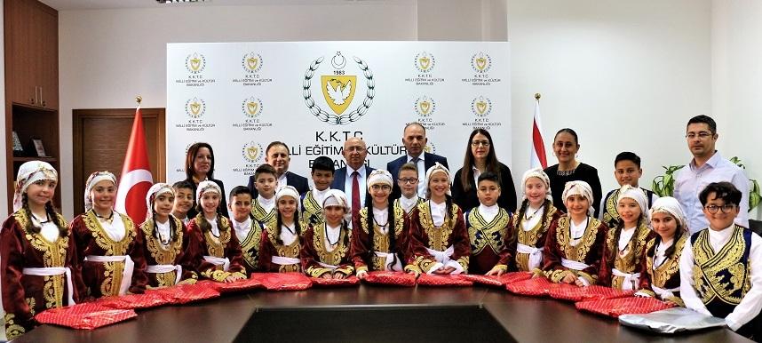 Özyiğit,TRT 23 Nisan Çocuk Festivali'nde KKTC'yi temsil edecek ekibi kabul etti