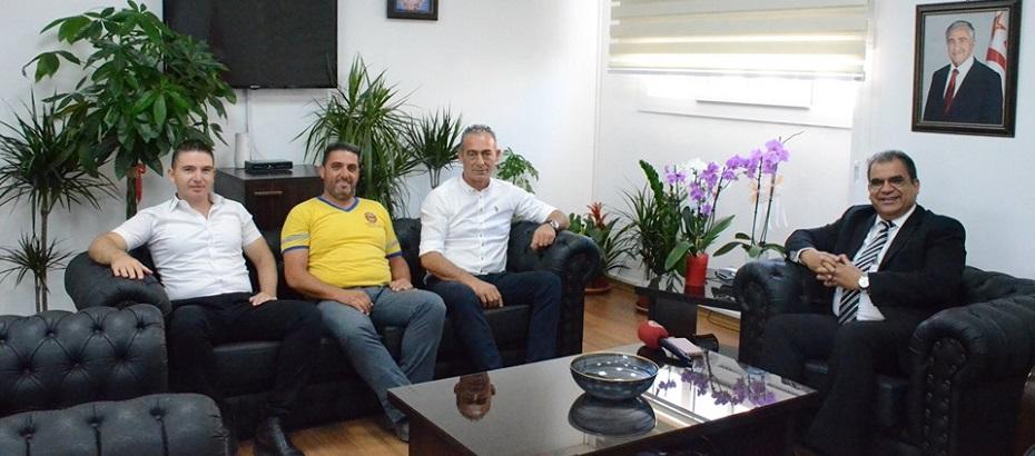 Bakan Sucuoğlu, Belediye Emekçileri Sendikası yetkililerini kabul etti
