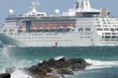 ABD'den kalkan yolcu gemisinde salgın paniğe yol açtı