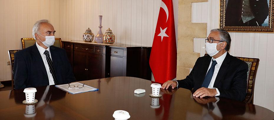 Cumhurbaşkanı Akıncı, Taşınmaz Mal Komisyonu Başkanı Erkmen'le görüştü