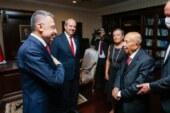 Rüstem Tatar, 90'ıncı yaş gününü ailesi ve Fuat Oktay ile kutladı