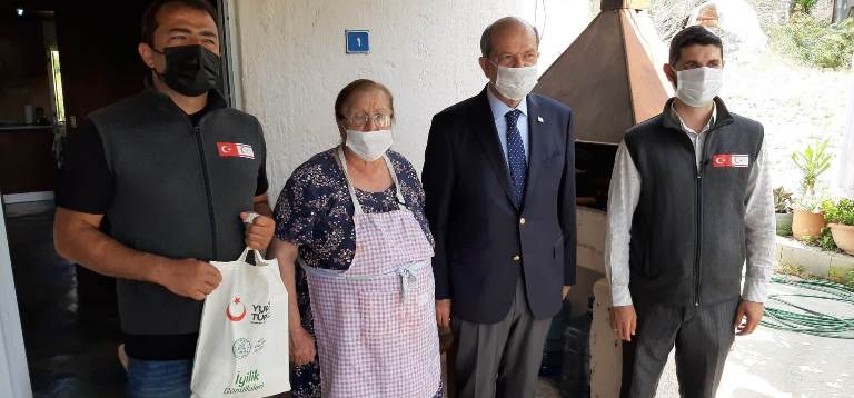 Cumhurbaşkanı Tatar 'Gönül Köprüsü Projesi' kapsamında vatandaşlarla bir araya geldi