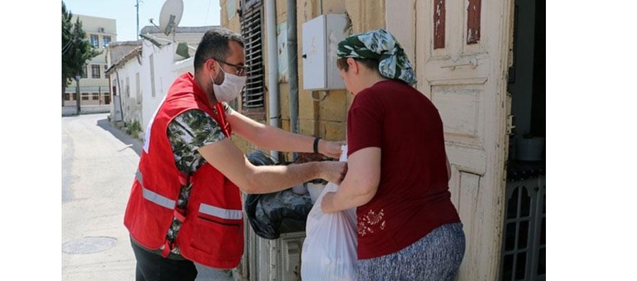 Türk Kızılaydan KKTC'deki 2 bin aileye gıda yardımı