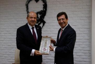"""Tatar, Merkez Bankası'nı ziyaret ederek, """"Görevim ekonomik meselelerle de ilgilenmektir."""" dedi"""
